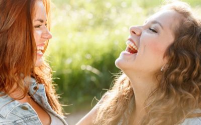 Sorriso gengival é mais comum em mulheres. Especialista no assunto indica os melhores tratamentos