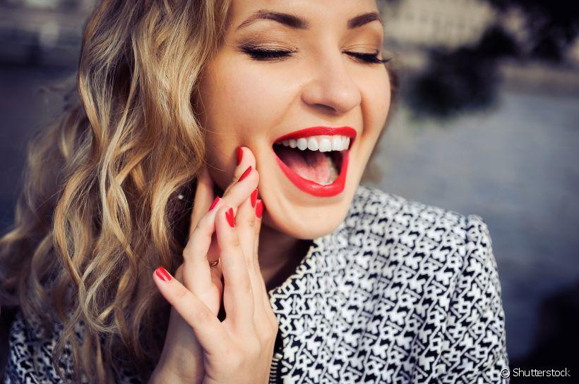 Efeito white: como manter o clareamento dental por mais tempo?