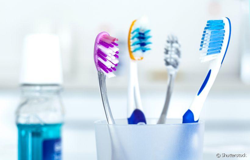 b13d9f573 4 atitudes erradas que prejudicam sua escova de dentes