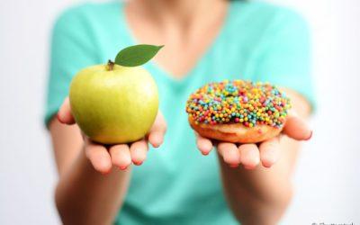 Estou com cárie: existem alimentos que podem agravar ainda mais o quadro?