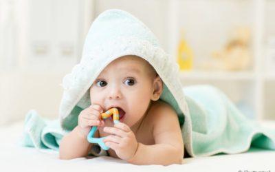 Dentistas explicam como os mordedores ajudam na saúde bucal dos bebês