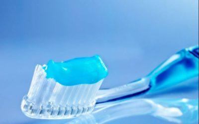 Conheça mais sobre os cremes dentais que aliviam e os que previnem a sensibilidade