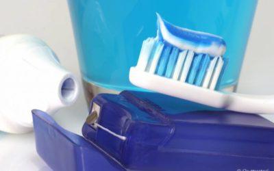 Escovar os dentes, usar o fio dental: Confira 6 hábitos bucais simples que podem evitar a periodontite