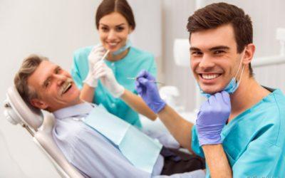 Em quanto tempo é possível implantar um dente perdido? Veja como a Odontologia atua nesse momento