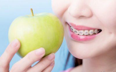 Alimentos crocantes e os riscos para quem está em um tratamento ortodôntico