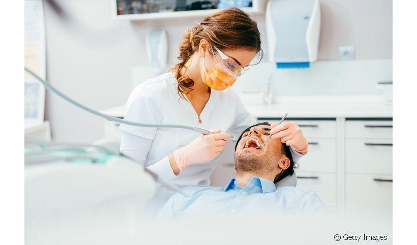 Qual é o especialista em extração de dente? Entenda!