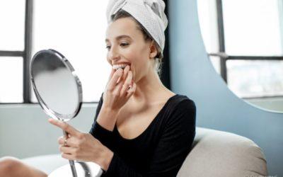 Clareamento dental: a dor pode estar relacionada ao uso incorreto da moldeira? Dentista esclarece a questão