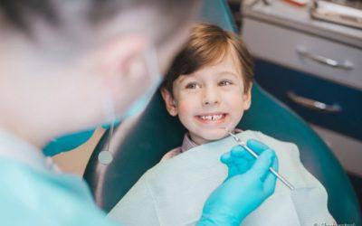 Profilaxia dentária infantil: quais os benefícios de fazer limpeza dentária desde cedo?