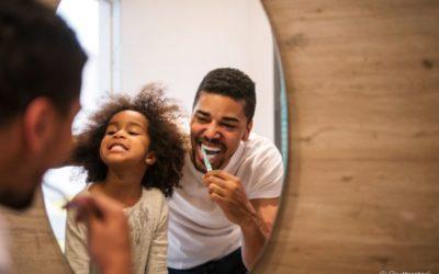 Como incentivar a higiene bucal do seu filho nas férias: confira algumas dicas infalíveis