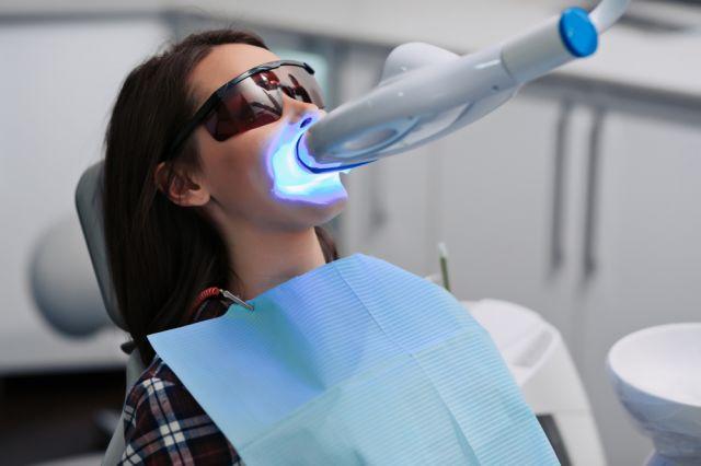 Laserterapia: conheça suas diferentes aplicações nos procedimentos odontológicos
