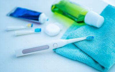 Escova de dentes elétrica: guia para uma escovação mais eficaz com esse item de higiene bucal