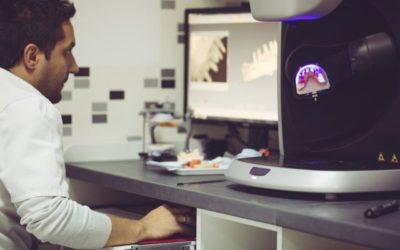Odontologia 3D: Saiba mais sobre a tecnologia odontológica que permite imprimir implantes dentários em titânio
