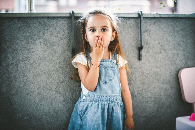 Mau hálito infantil: o que é? Quais são as causas? Como tratar esse problema?