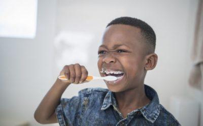 Fluorose dentária: o que é? Como se forma? Quais são as causas? Tem tratamento? Saiba tudo sobre essas manchas brancas nos dentes